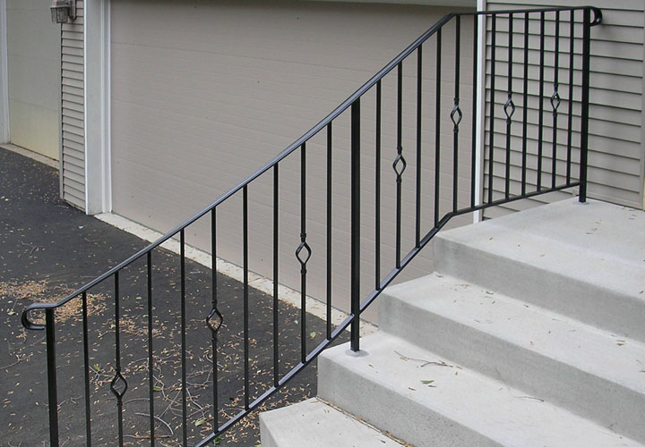 Exterior Step Railing Photo