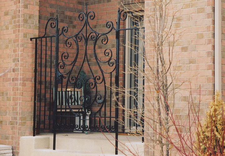 Exterior Step Railing Photo